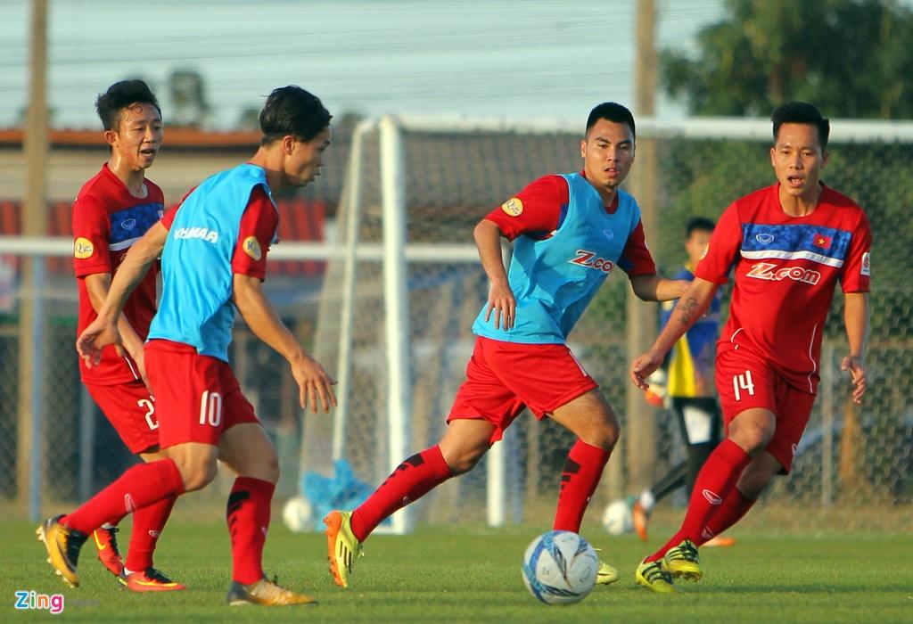 Cong Phuong, Van Toan lam chu cong cua U23 Viet Nam hinh anh 3