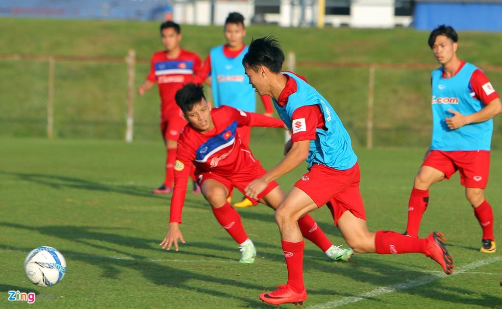 Cong Phuong, Van Toan lam chu cong cua U23 Viet Nam hinh anh 4