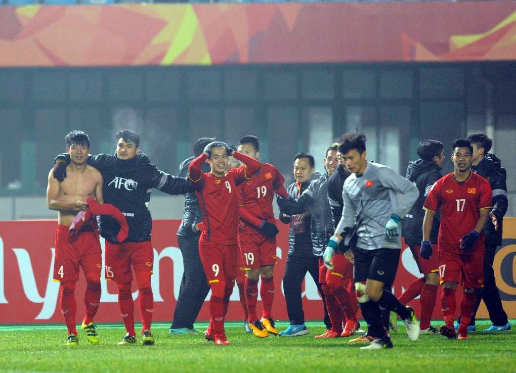 U23 Iraq bat khoc, lang nhin U23 Viet Nam an mung chien thang hinh anh 6