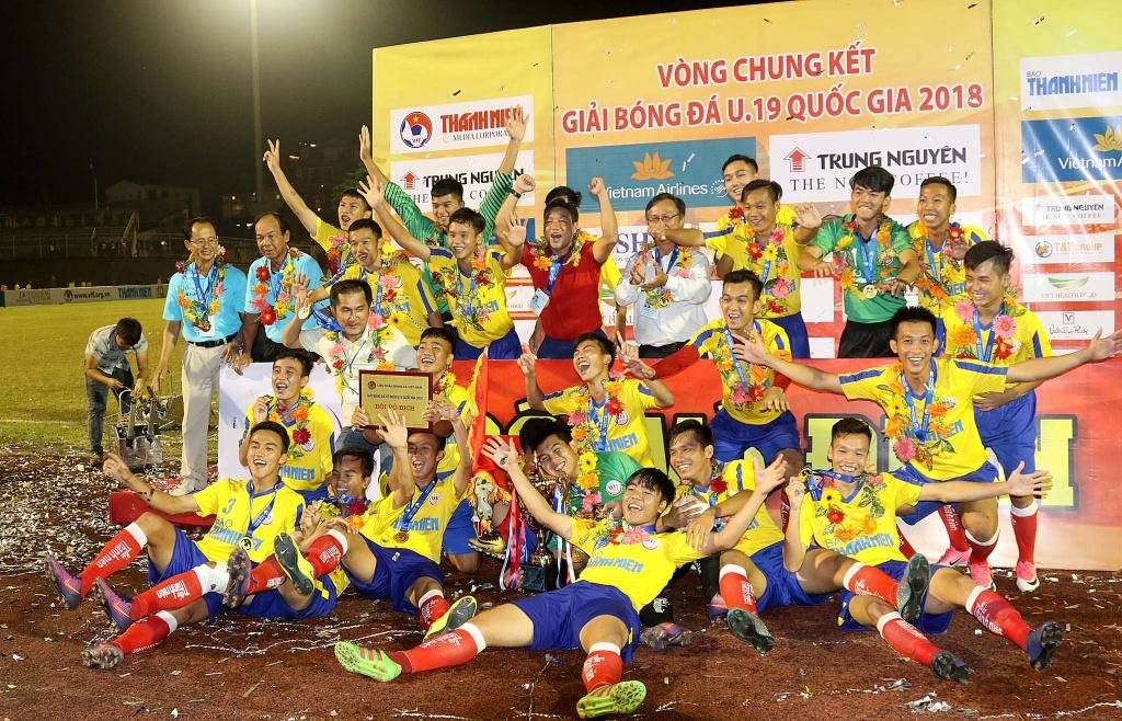 Ha doi bong cua bau Hien, Dong Thap vo dich U19 Quoc gia hinh anh 9