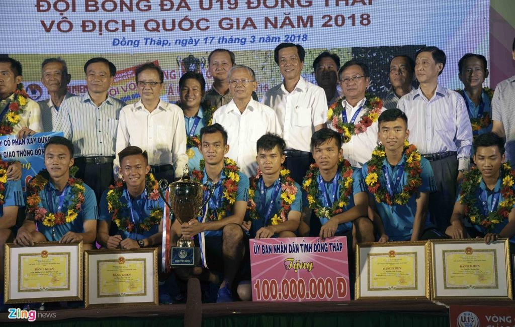 U19 Dong Thap mung cong ngay 17/3 anh 9