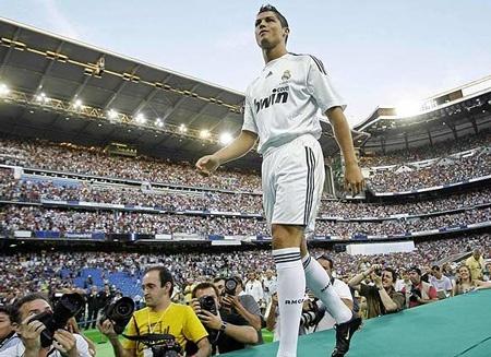 Ronaldo: Bi quyet gian don de len dinh lang tuc cau hinh anh 3