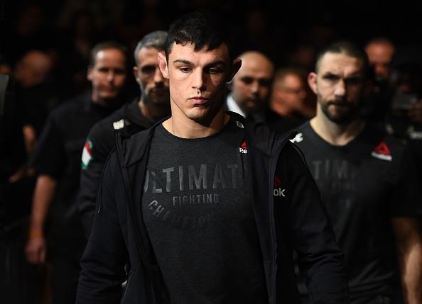 Vo si UFC thang bang combo don goi anh 2