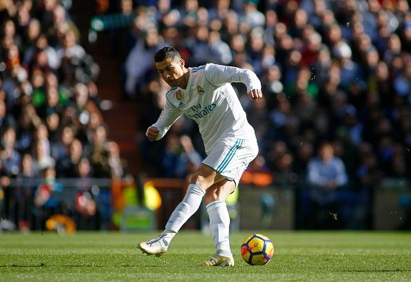 Sut hut kho tin, Ronaldo sap chim vao qua khu? hinh anh 2