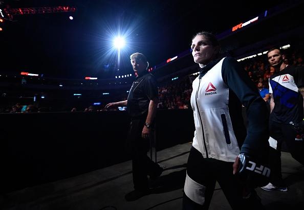 MMA: Noi dau chua ke sau anh hao quang hinh anh 6