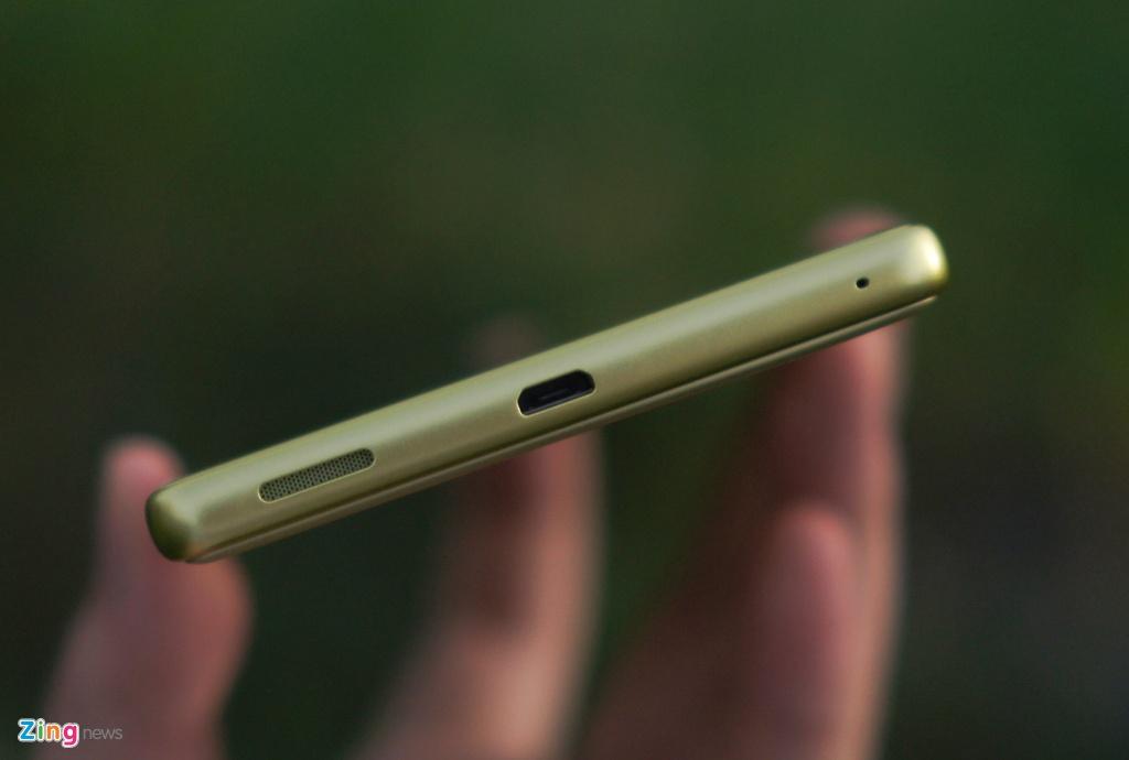 Sony Xperia XA Ultra - phablet dang dep, gia 9 trieu dong hinh anh 4
