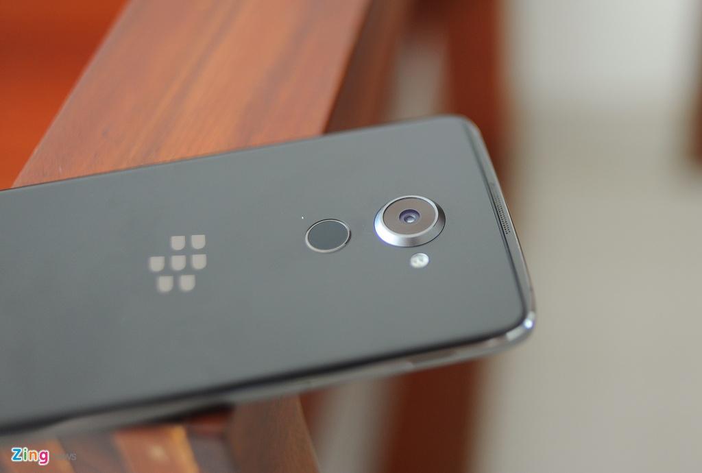 Anh thuc te BlackBerry DTEK60 sap ve Viet Nam hinh anh 8
