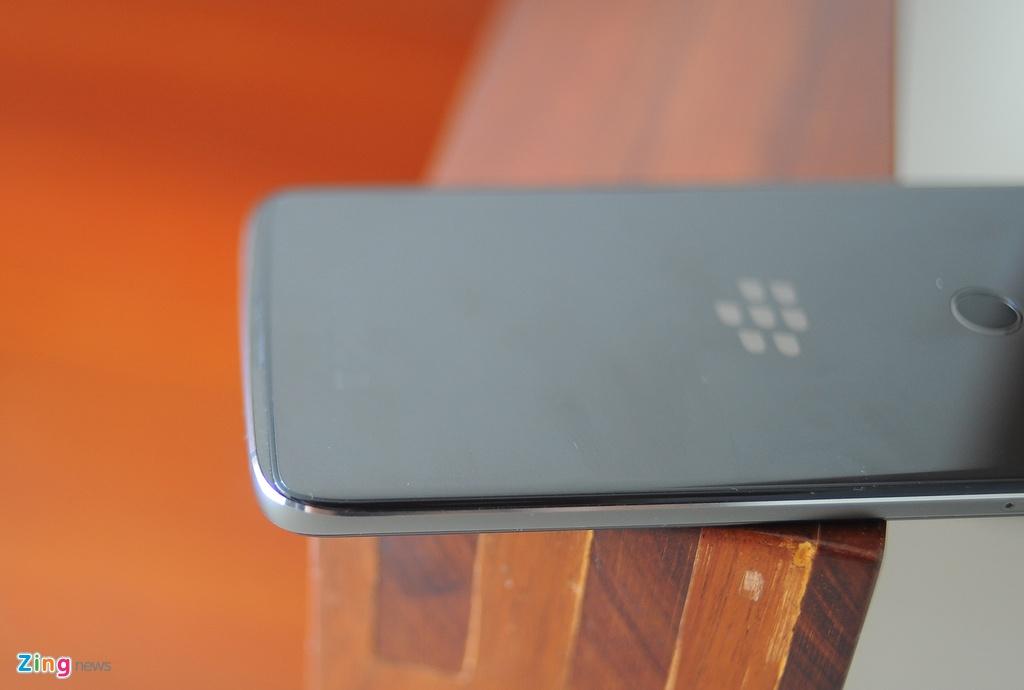 Anh thuc te BlackBerry DTEK60 sap ve Viet Nam hinh anh 9