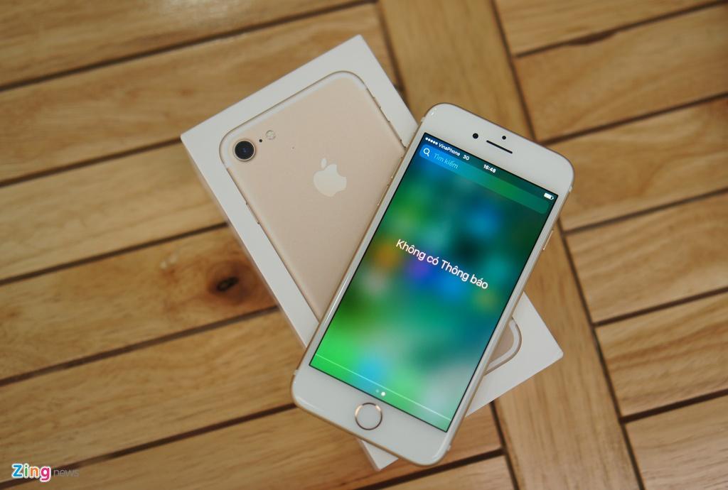 Mo hop iPhone 7 chinh hang dau tien tai Viet Nam hinh anh 3