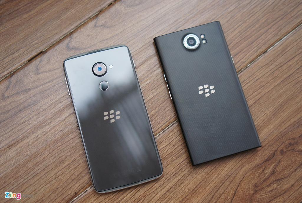 Mo hop BlackBerry DTEK60 gia 14 trieu sap len ke hinh anh 12