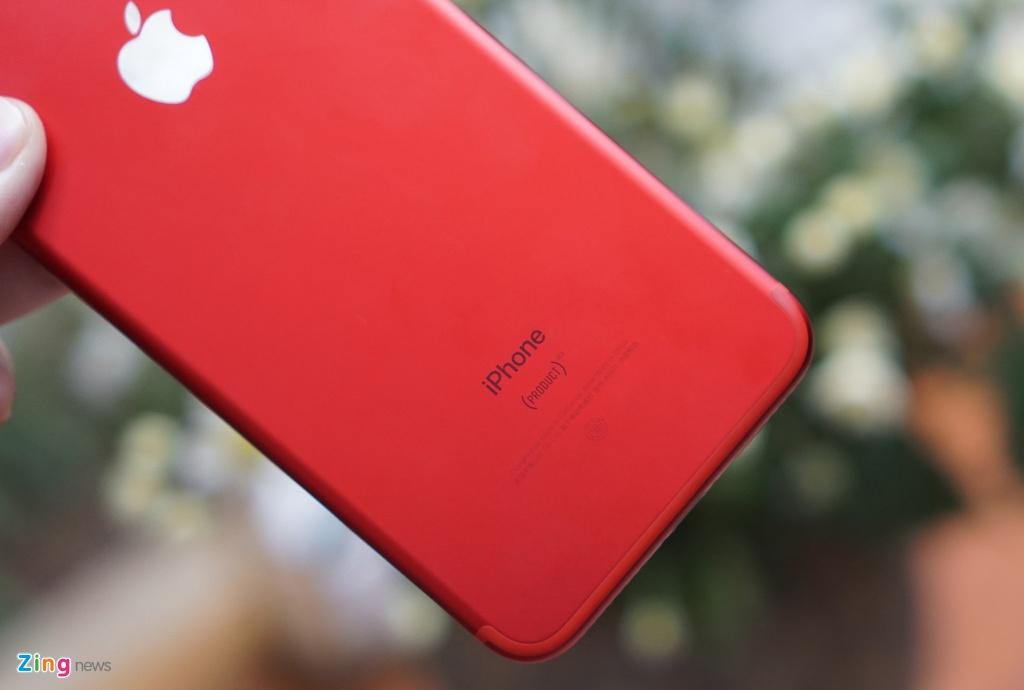 Anh thuc te iPhone 7 Plus mau do anh 9