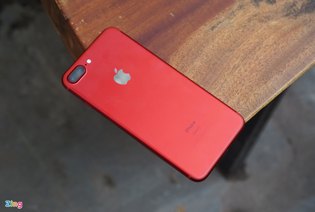 Anh thuc te iPhone 7 Plus mau do anh 3