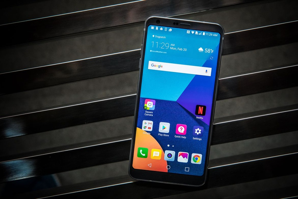 6 smartphone ve nuoc thang 5 anh 3