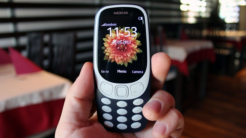 dung Nokia 3310 thay smartphone anh 1
