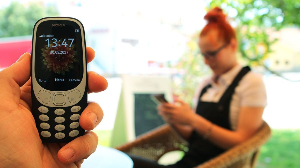 dung Nokia 3310 thay smartphone anh 3