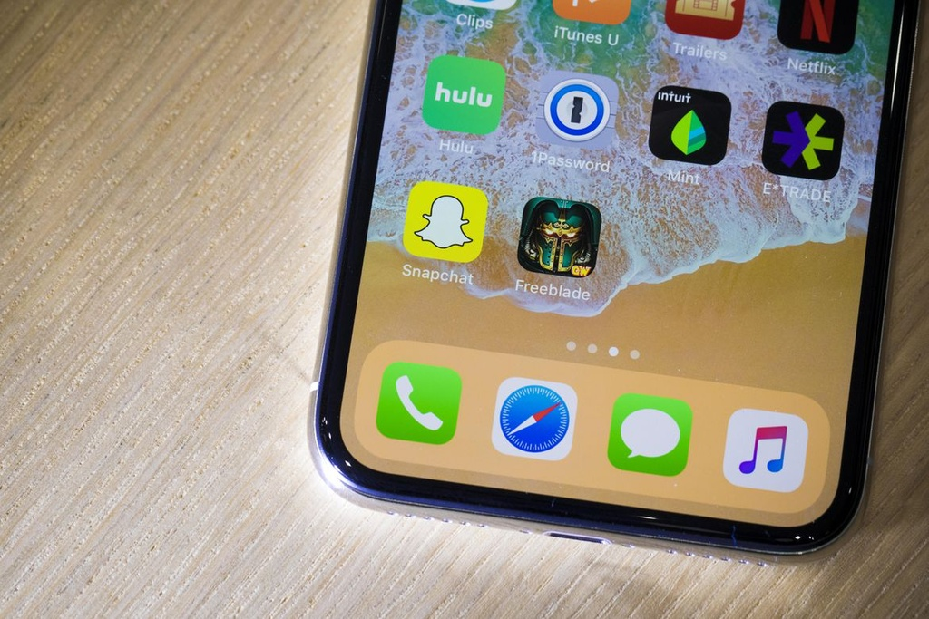 Anh thuc te iPhone X: Smartphone cua tuong lai hinh anh 7
