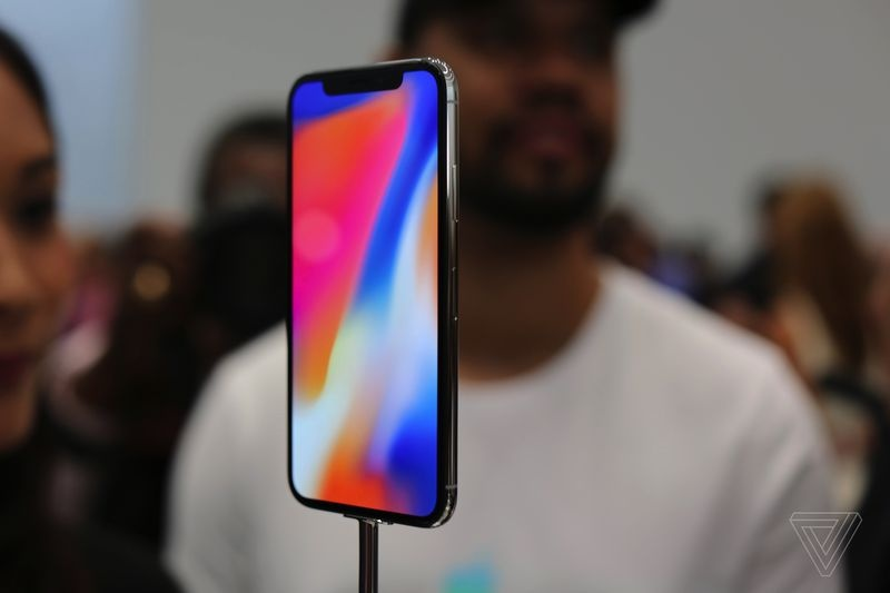 Anh thuc te iPhone X: Smartphone cua tuong lai hinh anh 8