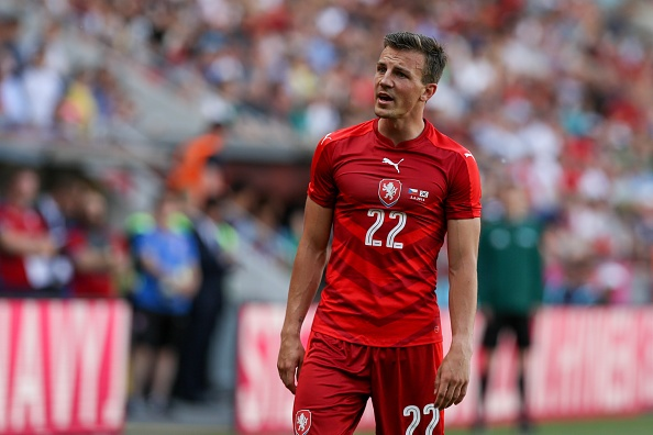 Nhung ke noi loan dang xem nhat tai Euro 2016 hinh anh 8