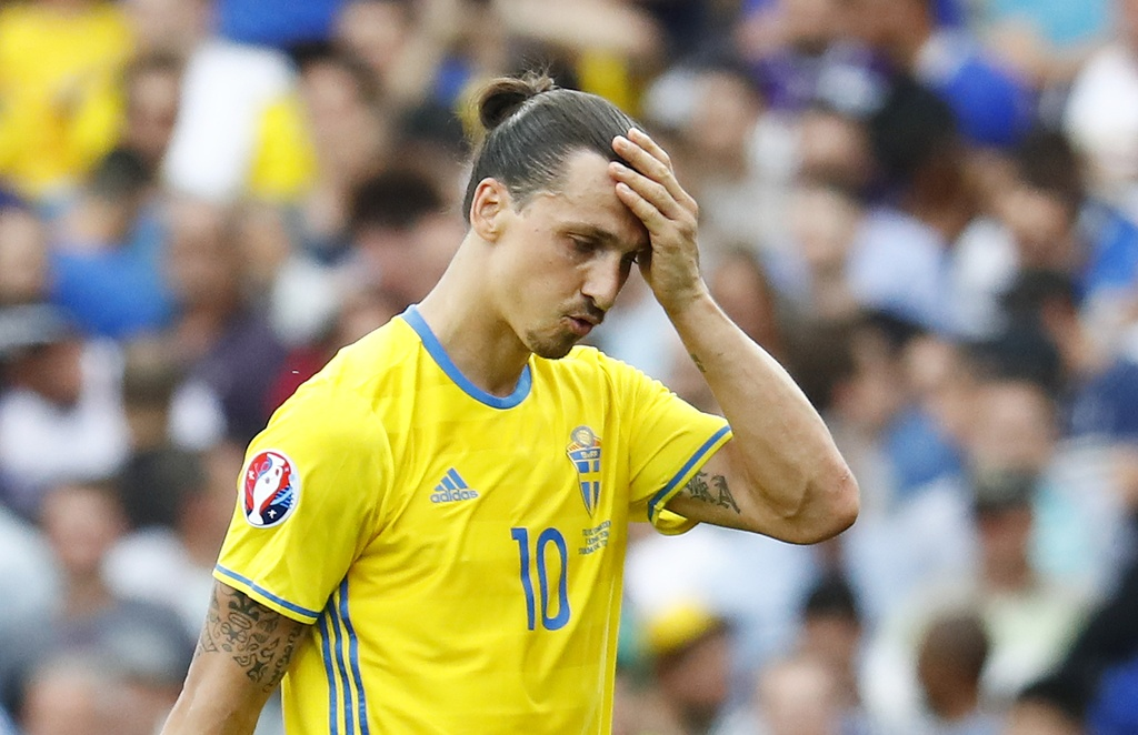 Ibrahimovic quy goi trong that vong tot cung hinh anh 9
