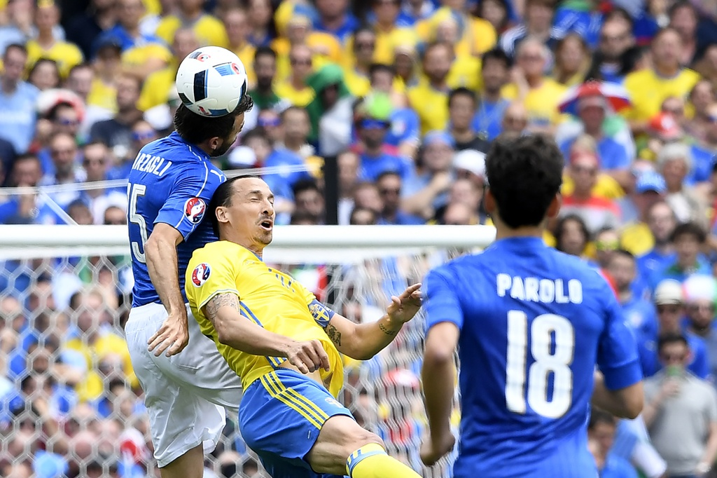 Ibrahimovic quy goi trong that vong tot cung hinh anh 2