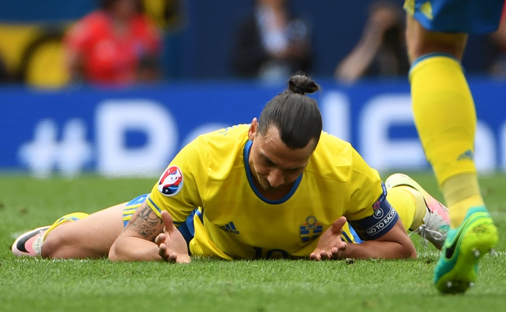 Ibrahimovic quy goi trong that vong tot cung hinh anh 5