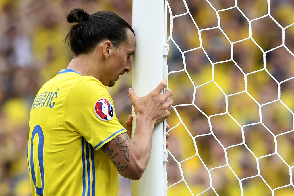 Ibrahimovic quy goi trong that vong tot cung hinh anh 4