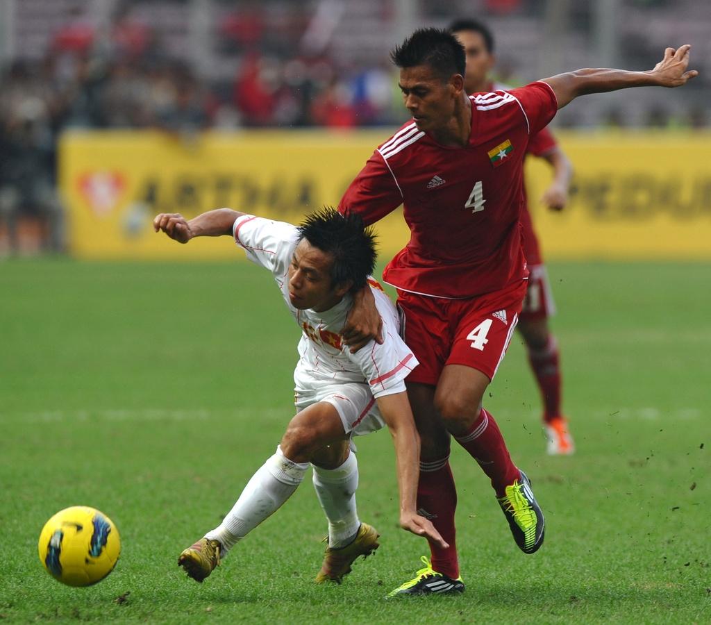 3 cau thu Viet Nam o doi hinh tieu bieu vong bang AFF Cup hinh anh 5