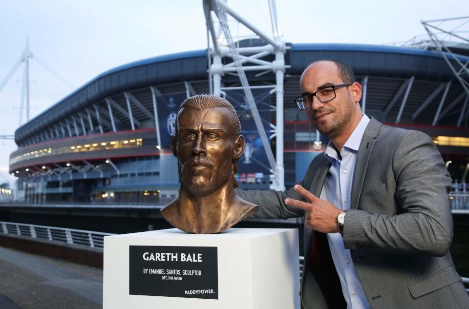 Buc tuong dieu khac cua Gareth Bale bi che la tham hoa hinh anh 2