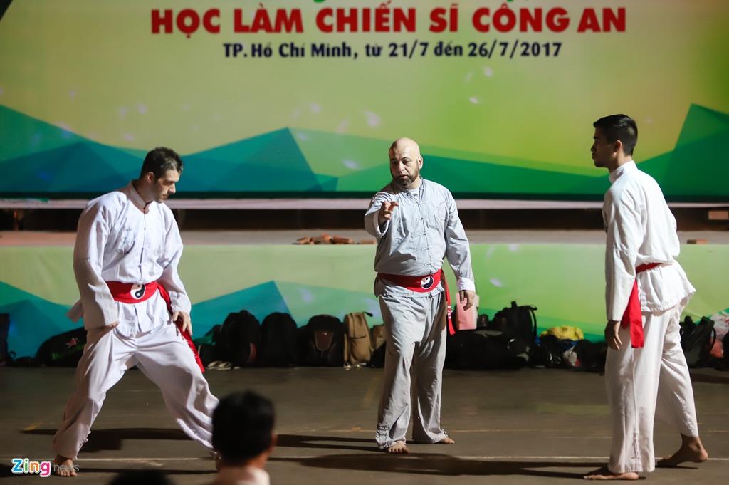 Flores ngoi khen dung khi cac mon do Karate Shorin-ryu hinh anh 11