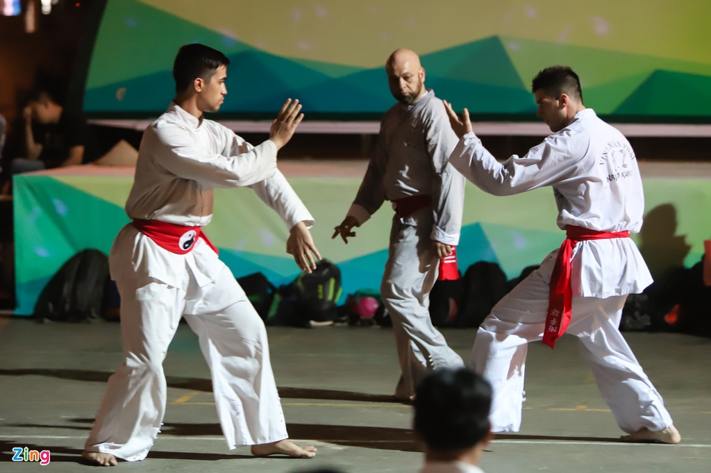 Flores ngoi khen dung khi cac mon do Karate Shorin-ryu hinh anh 12
