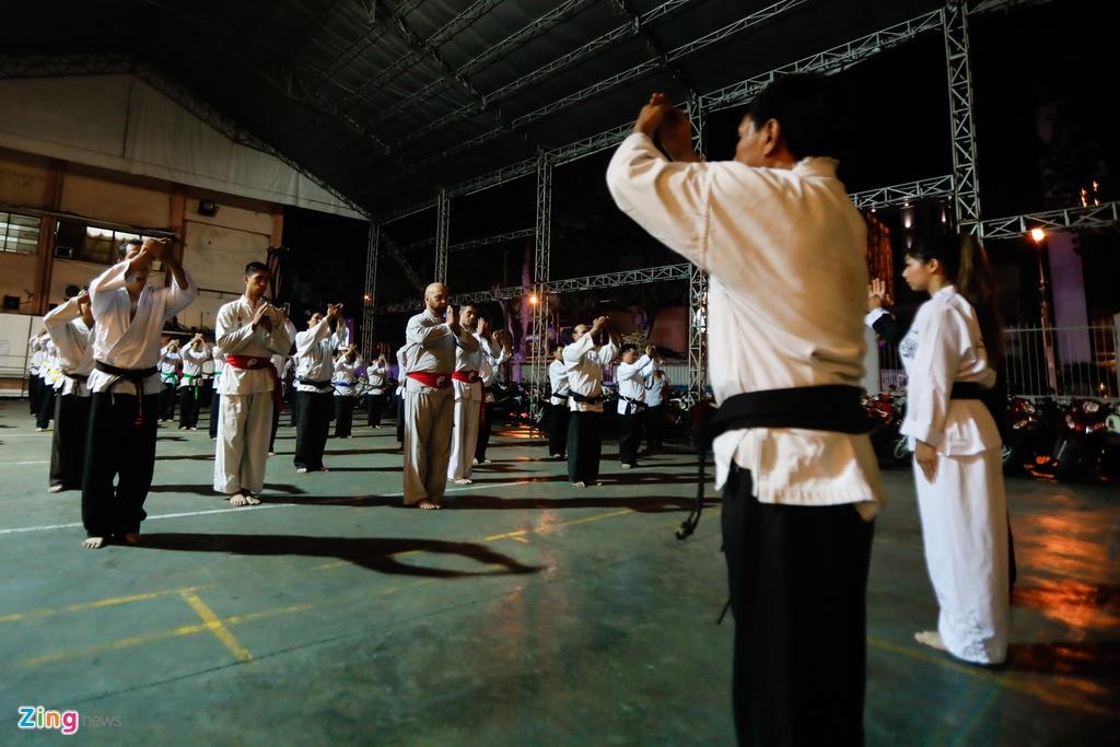 Flores ngoi khen dung khi cac mon do Karate Shorin-ryu hinh anh 4