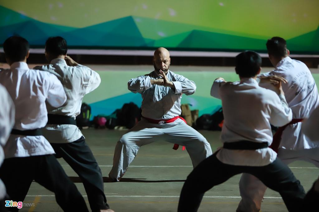 Flores ngoi khen dung khi cac mon do Karate Shorin-ryu hinh anh 6