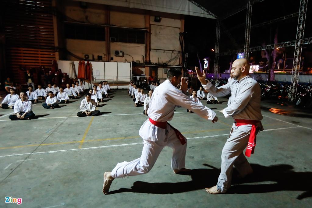 Flores ngoi khen dung khi cac mon do Karate Shorin-ryu hinh anh 8