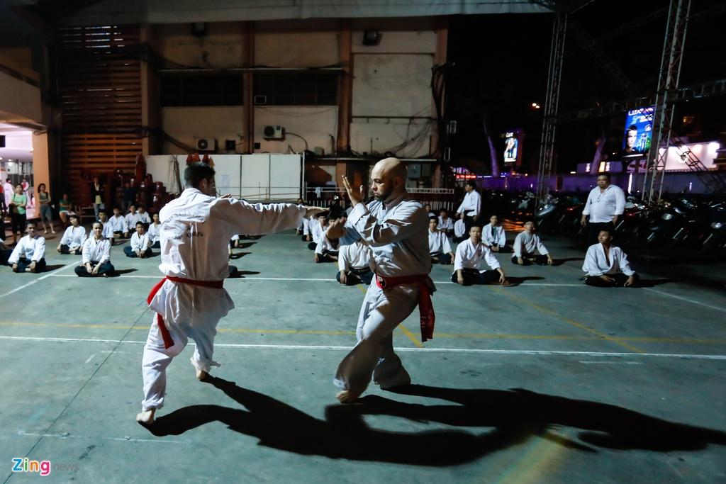 Flores ngoi khen dung khi cac mon do Karate Shorin-ryu hinh anh 9