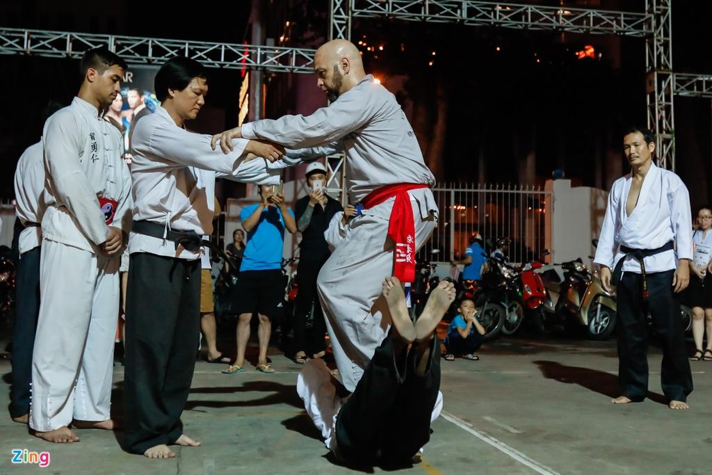 Flores ngoi khen dung khi cac mon do Karate Shorin-ryu hinh anh 10