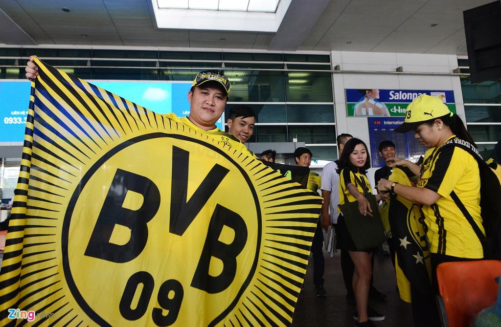 Huyen thoai Dortmund an tuong truoc su chao don cua fan Viet hinh anh 7