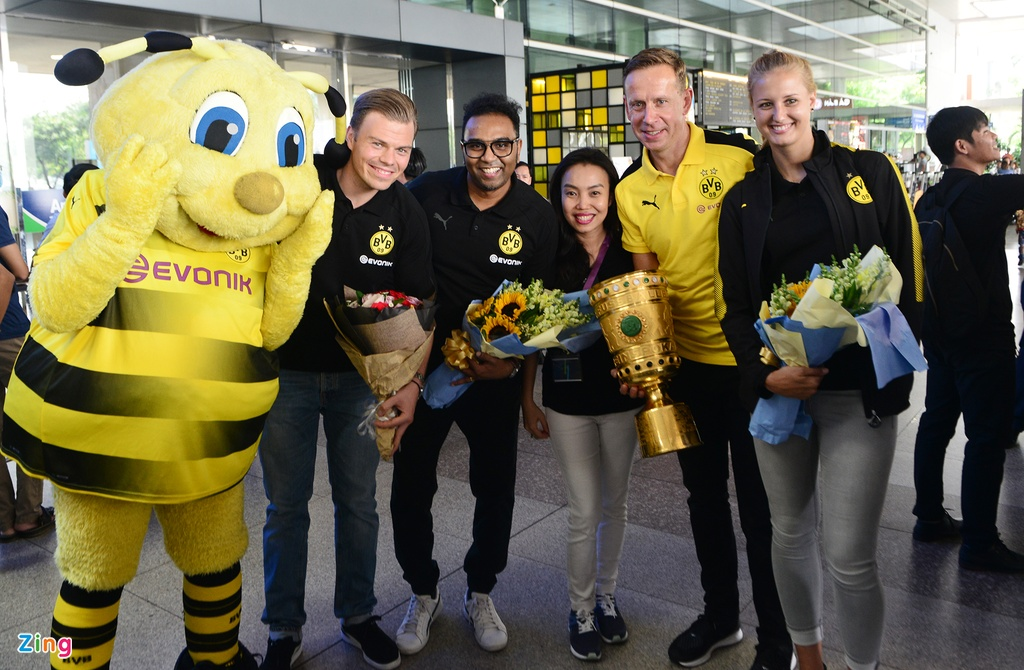 Huyen thoai Dortmund an tuong truoc su chao don cua fan Viet hinh anh 4