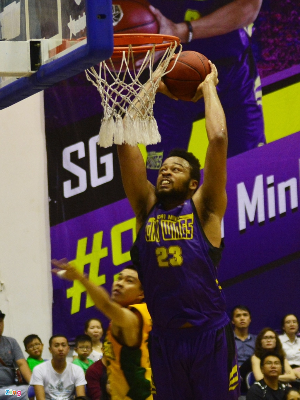 Thang lon Cantho Catfish, Hochiminh City Wings nuoi mong play-off hinh anh 2