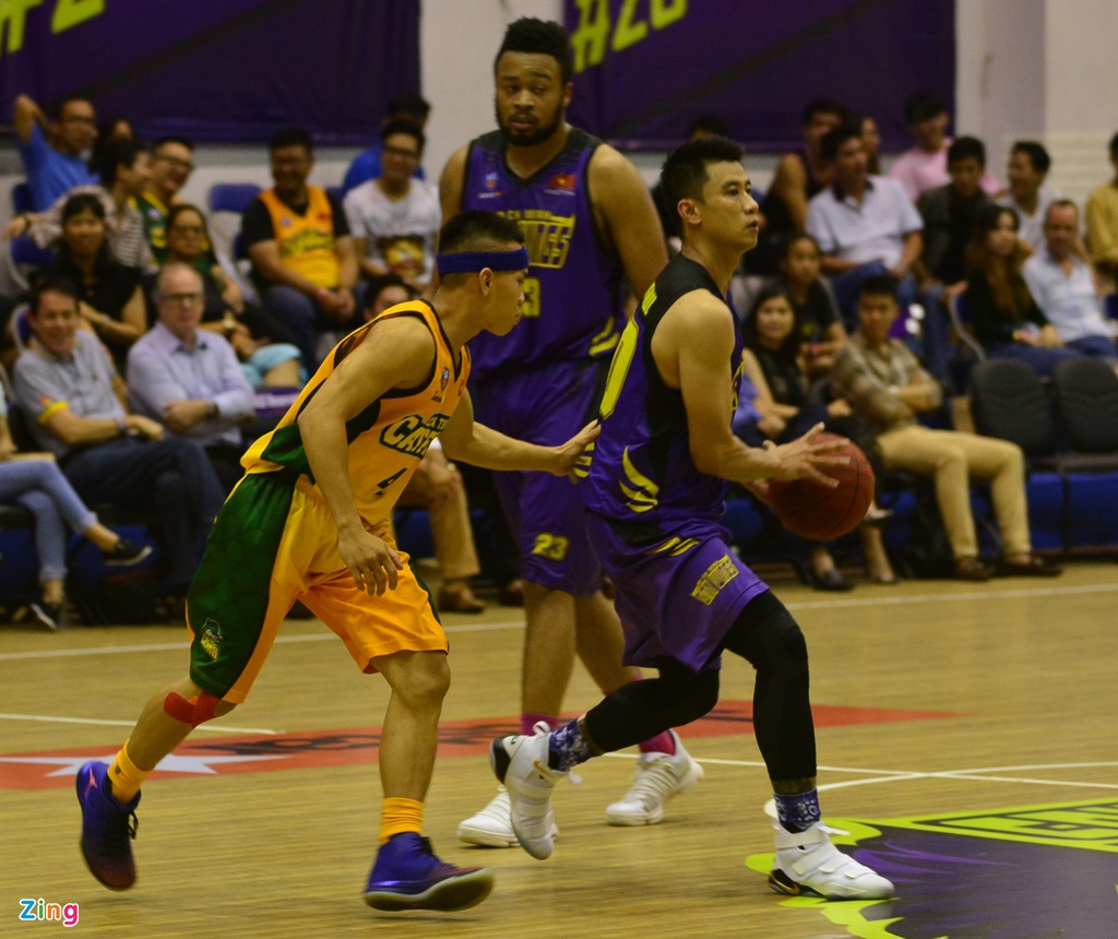 Thang lon Cantho Catfish, Hochiminh City Wings nuoi mong play-off hinh anh 8