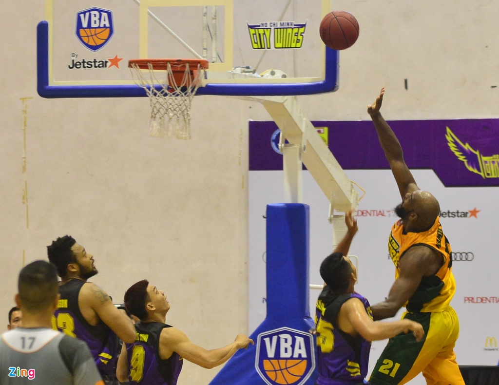 Thang lon Cantho Catfish, Hochiminh City Wings nuoi mong play-off hinh anh 6