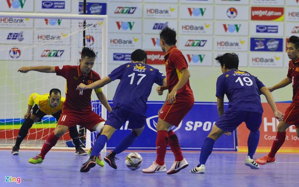 Con giau bai, DT futsal Viet Nam van huy diet Philippines 24-0 hinh anh 9