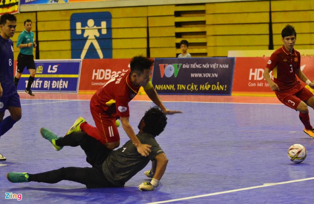 Con giau bai, DT futsal Viet Nam van huy diet Philippines 24-0 hinh anh 5