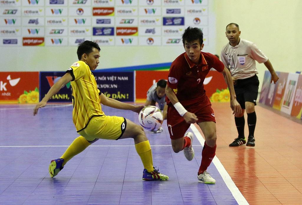 Futsal Viet Nam tiep tuc bay tren doi chan Phung Trong Luan hinh anh 4
