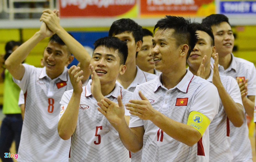 Cho chung ket trong mo giua futsal Viet Nam va Thai Lan hinh anh 12