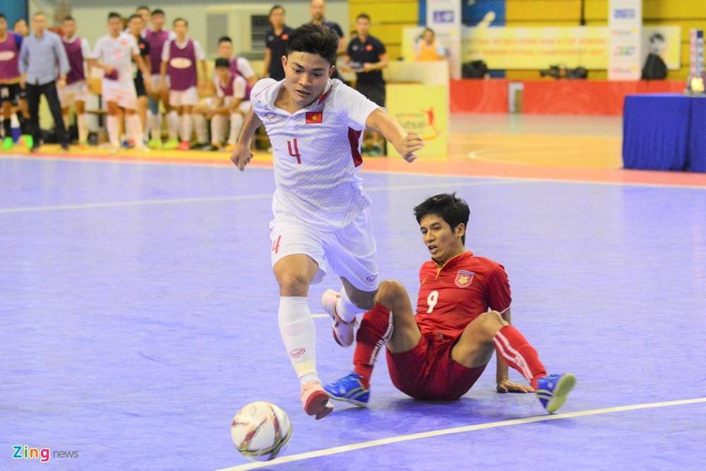 Futsal Viet Nam trang tay o giai Dong Nam A anh 3