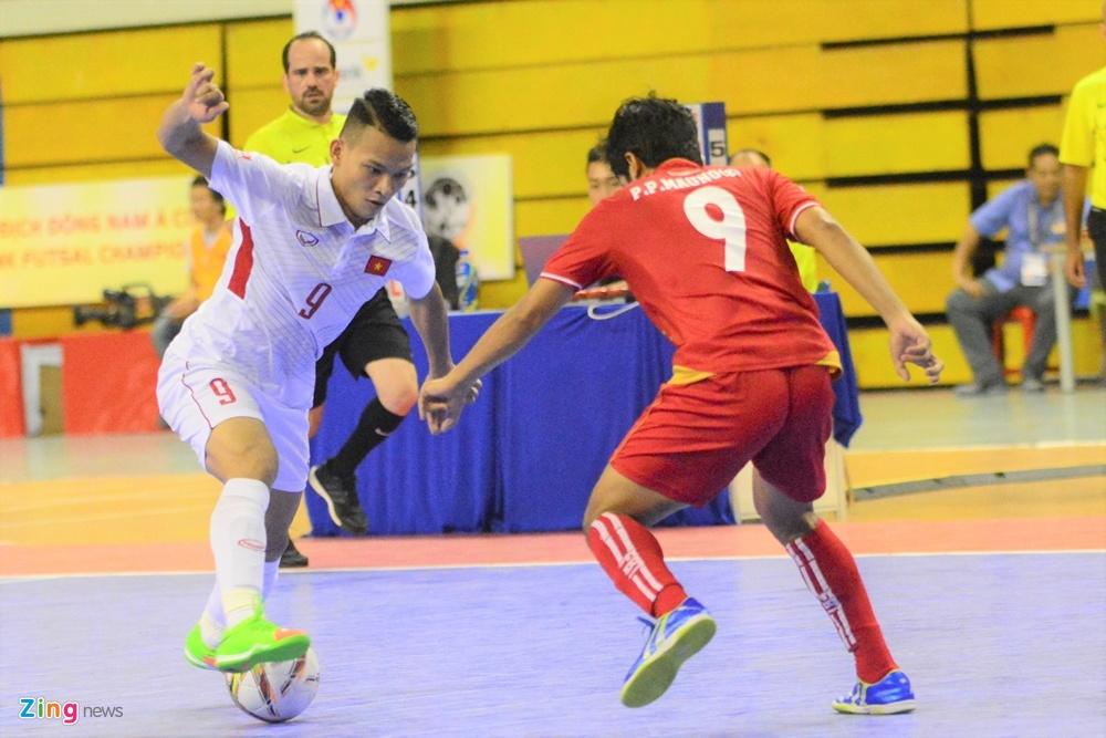 Futsal Viet Nam trang tay o giai Dong Nam A anh 4