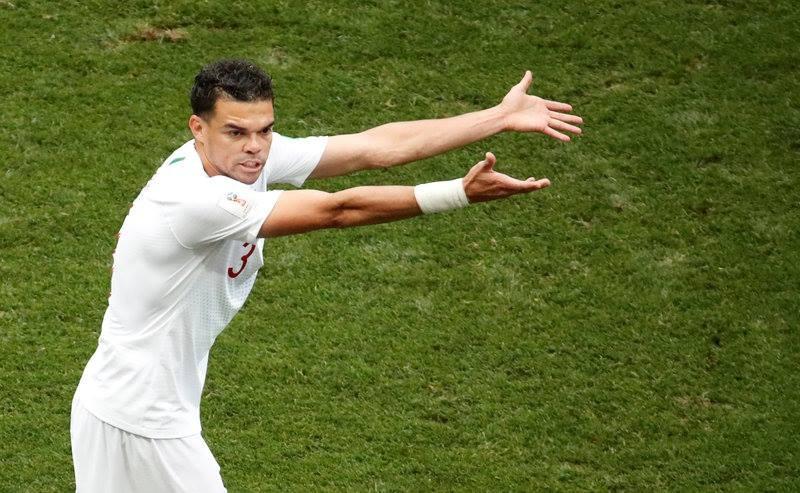 Ronaldo hay, nhung Pepe xuat sac khong kem hinh anh 2