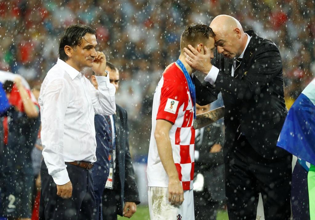 Nhin Croatia,  con ai dam coi thuong Modric va dong doi anh 1