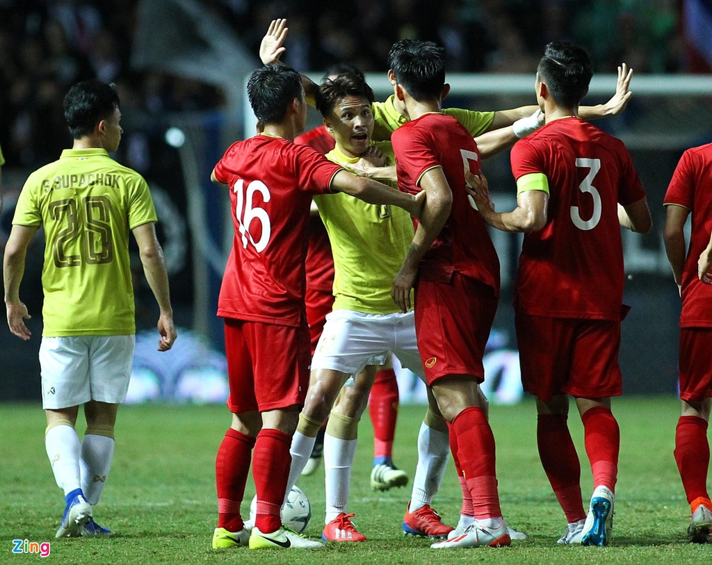 Nguoi Thai mo tim duoc HLV tai nang nhu Park Hang-seo hinh anh 2