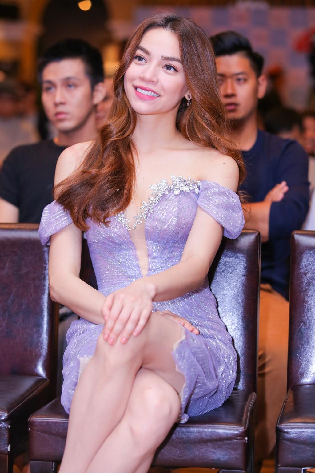 Ho Ngoc Ha den chuc mung Chau Dang Khoa ra mat album hinh anh 4